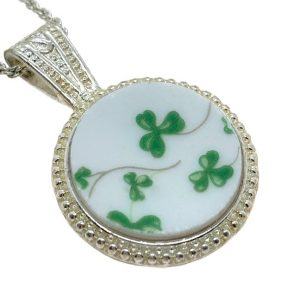 broken-china-shamrock-pendant