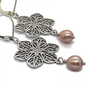 soft-pink-pearl-earrings