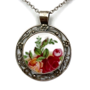 Old Country Roses Filigree Pendant