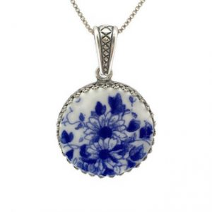 crown setting broken china necklace